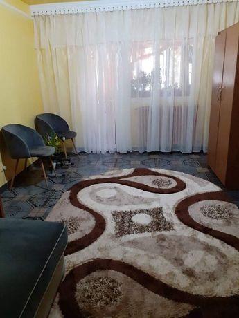 Vand apartament 2 camere Tg Frumos