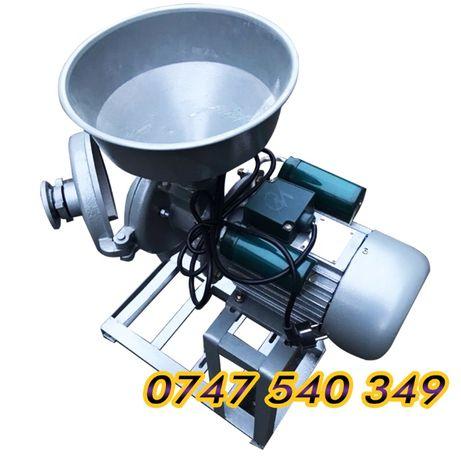Moara/Masina cu motor de macinat zahar pudra,faina cereale, condimente