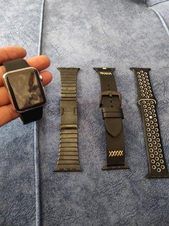 Продам часы appl watch 42 mm хромированные и айфон 8 64gb
