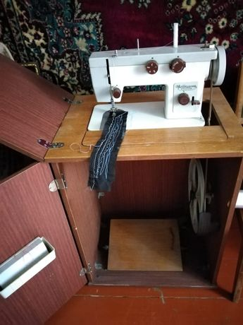 Швейная, ножная машинка 15000