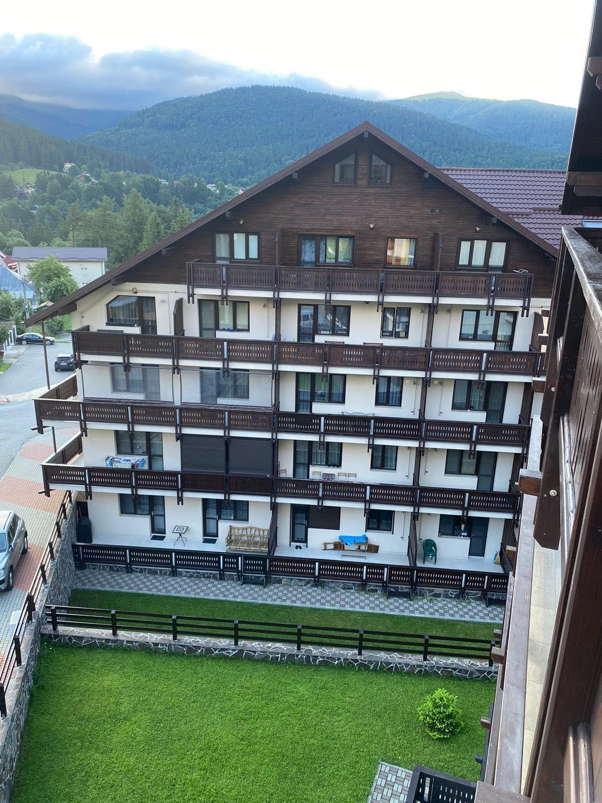 Apartament de vacanta,  modern, 2 camere, intre Sinania si Busteni