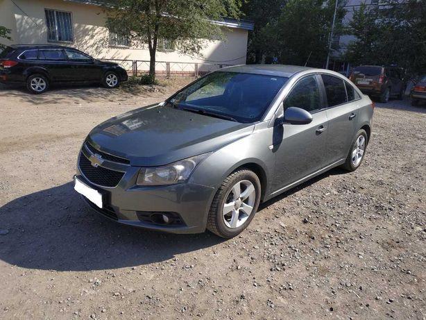 Продаю Chevrolet Cruze 2011 года.