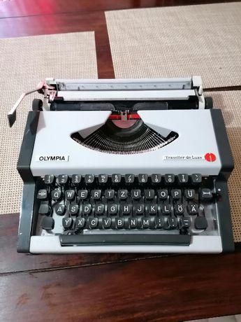 vand masina de scris 200lei