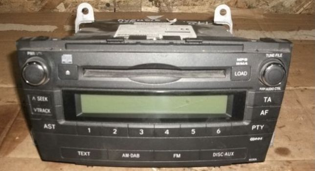 CD-Player auto  Toyota Avensis, an 2009-2015