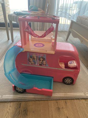 Barbi Кемпър и играчки