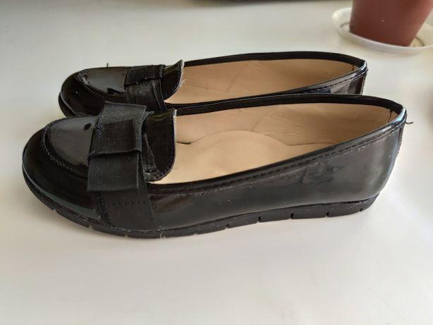 Туфли-лоферы для девочки