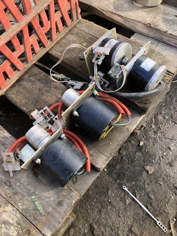 Стъпков двигател/електродвигатели
