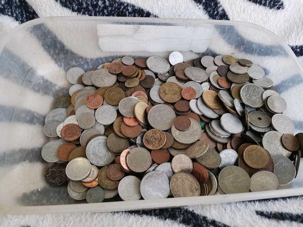 Monede vechi romanesti si straine-650 buc.