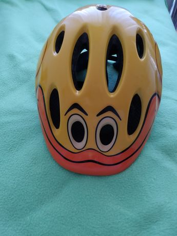 ПРОМОЦИЯ! Детска каска за каране на колело , ролери..! Марка - Lazer!