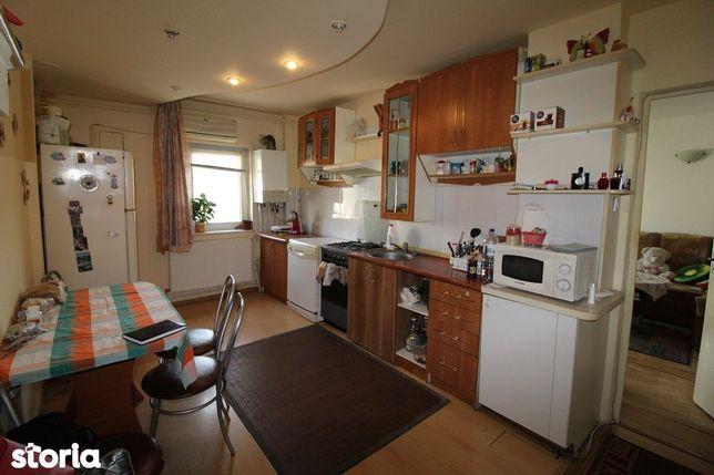 Vând apartament 4 camere în Deva, zona Dacia, etaj 3