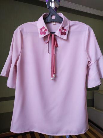 Женская блузка нежно розовый