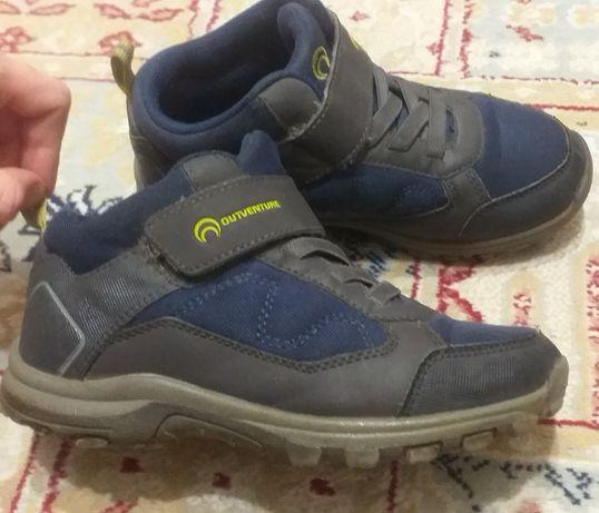 Ботинки , кроссовки  на осень