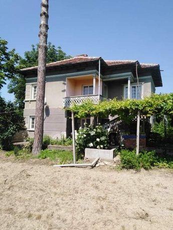 Двуетажна къща с. Копривец