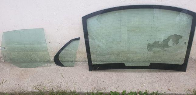 Luneta si geamuri spate dreapta VW Jetta 2007