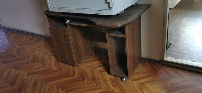 Рабочий стол, компьютерный стол