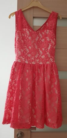 Vând rochiță roz XS