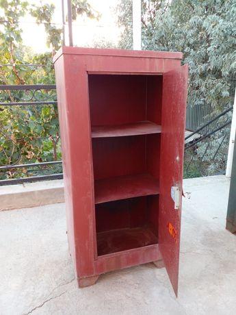 Продается сейф в хорошем состоянии