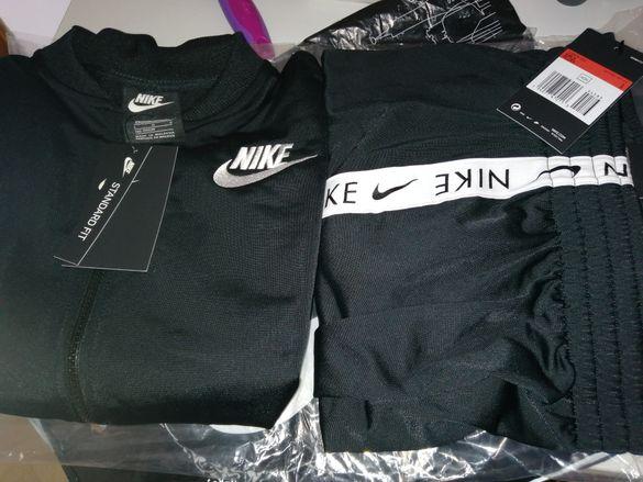 Спортен екип на Nike