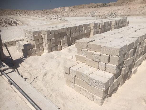 Камень ракушечник с доставкой , отсев , минимальный объём 10 куб.м.