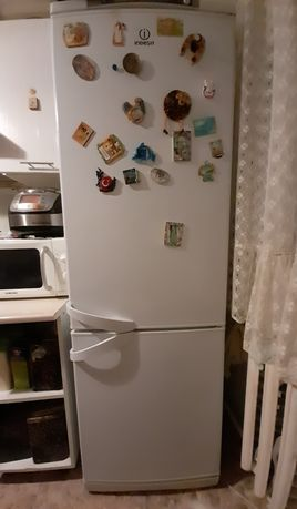 Продам холодильник  indesit б/у