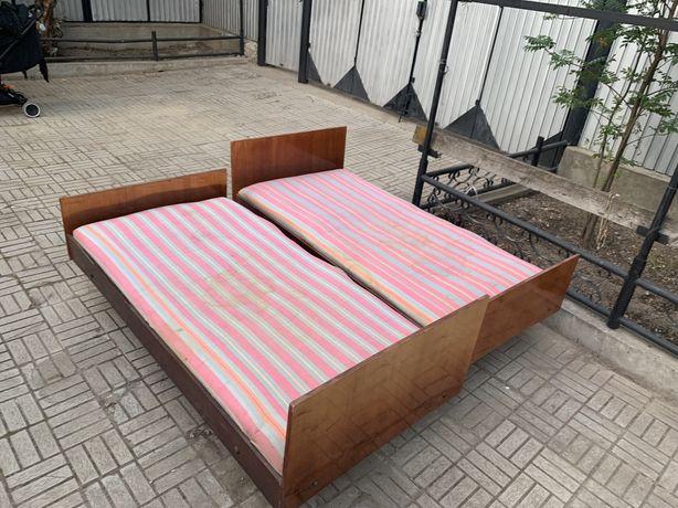 Кровать две штуки