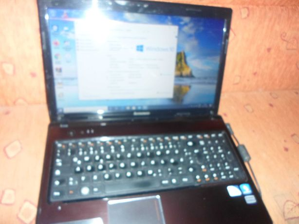 Laptop Lenovo procesor i3 generatia 2-a, SSD 240 GB