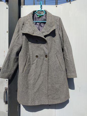 Продам пальто серое