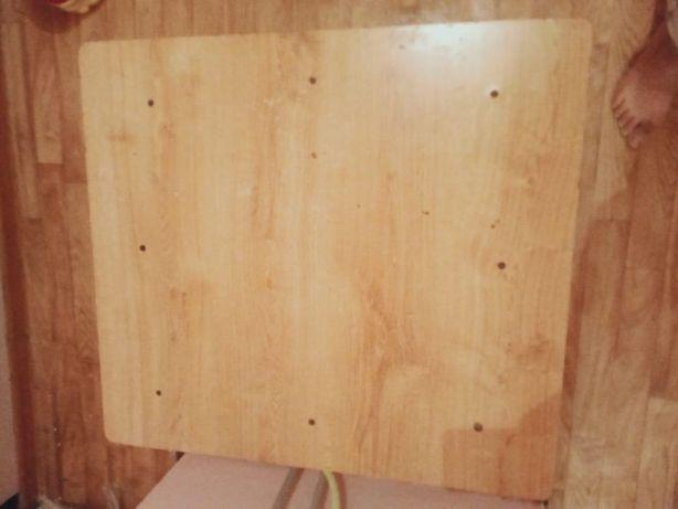 Продам маленький стол за 2000