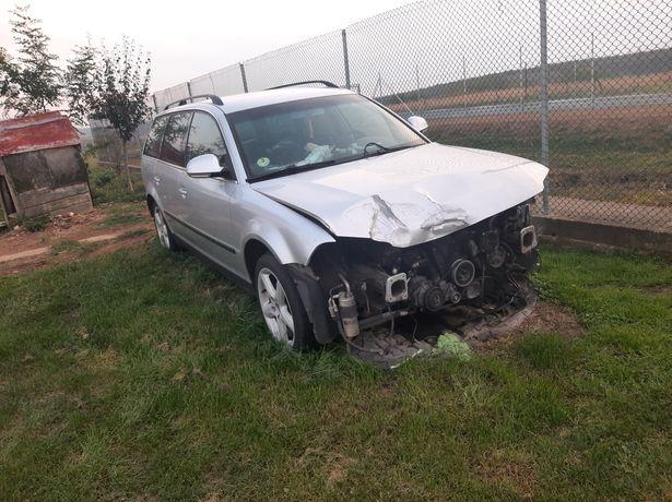 Dezmembrez VW Passat 1.9TDI 2004
