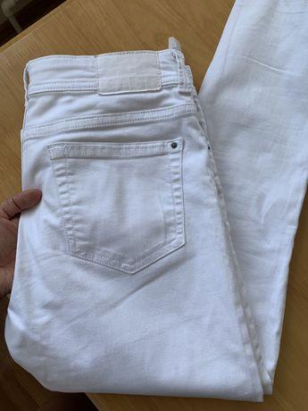 Джинсы белые Zara