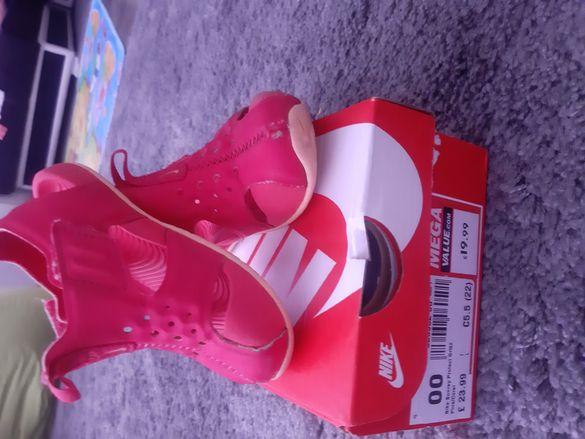 Апрески, кроксове, сандали, пантофки за момиченце от 19 до 25н