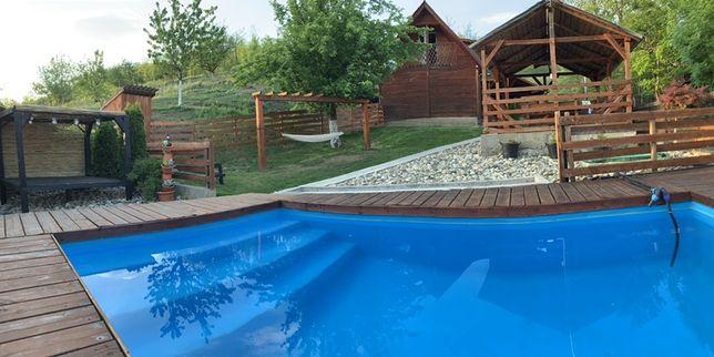 Închiriez cabana cu piscina și ciubar