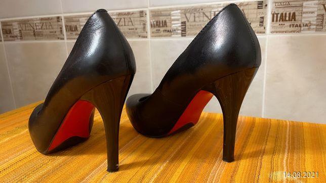 Туфли женские под лабутены