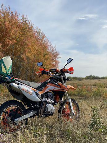 Мотоцикл Racer enduro 200
