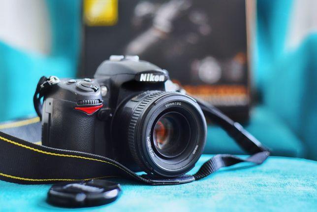 Зеркальный фотоаппарат Nikon D7000 с объективами и вспышкой