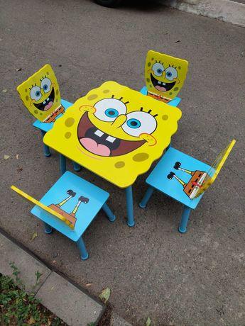 Детский стол и стулья