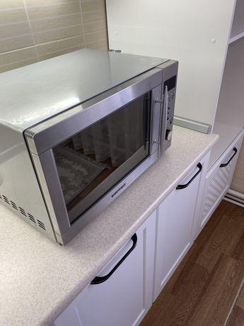 Микроволновую печь daewoo в отличном состоянии