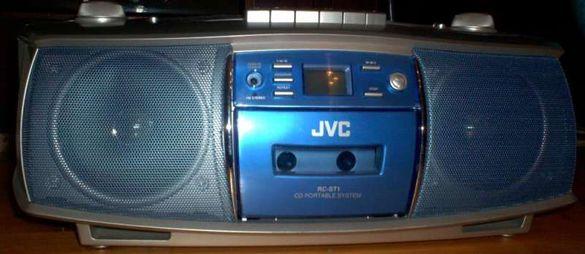 Японски JVC радио-касетофон с диск CD Player и тунер, модел RC-ST1
