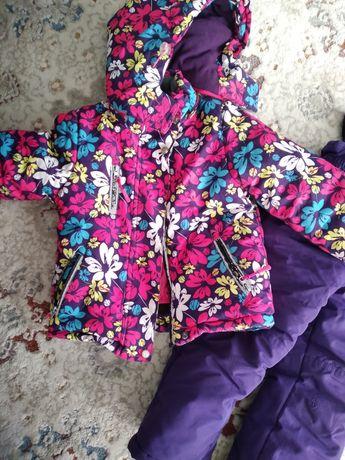 Зимняя куртка на девочку 2-3 года