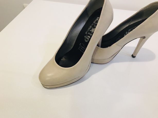 Pantofi cu toc din piele