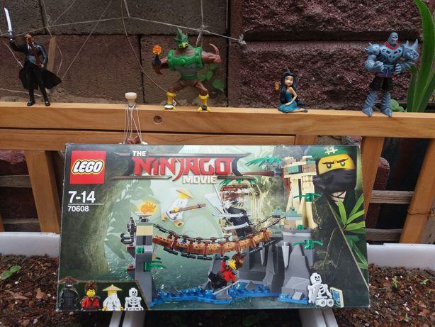 Срочно продам хороший чистый детский игрушки LEGO Звоните