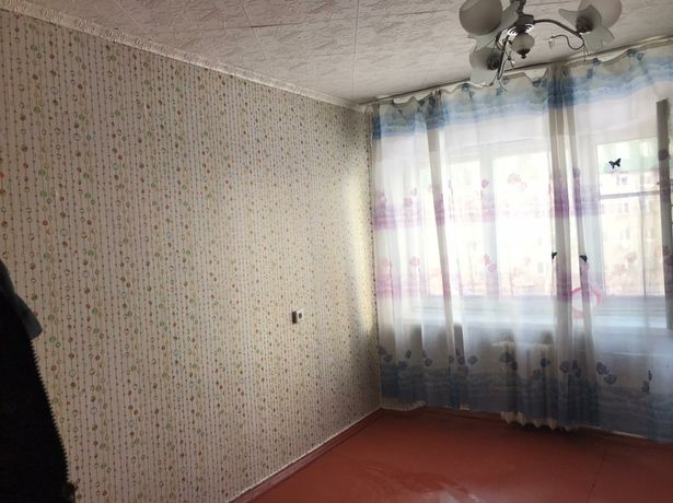 Продам 1 комнатную в малосимейном доме...