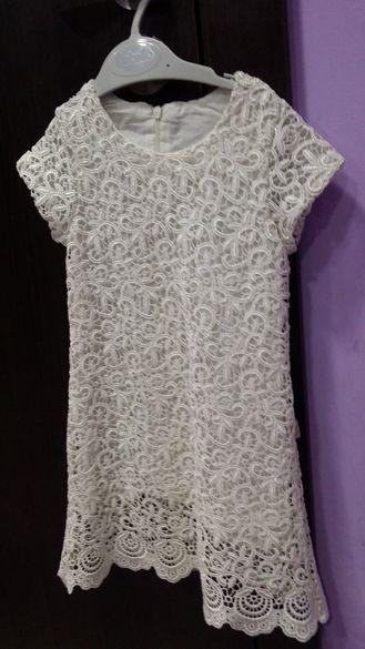 Детска дантелена рокля за 4г.момиче