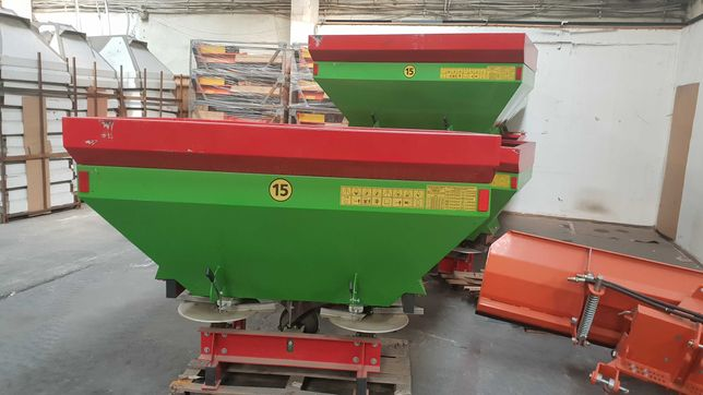 Distribuitor ingrasaminte hidraulic 1000 L cu 2 discuri Strumyk TA11