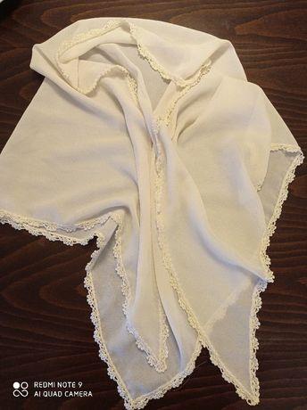 Копринена кърпа с дантелка