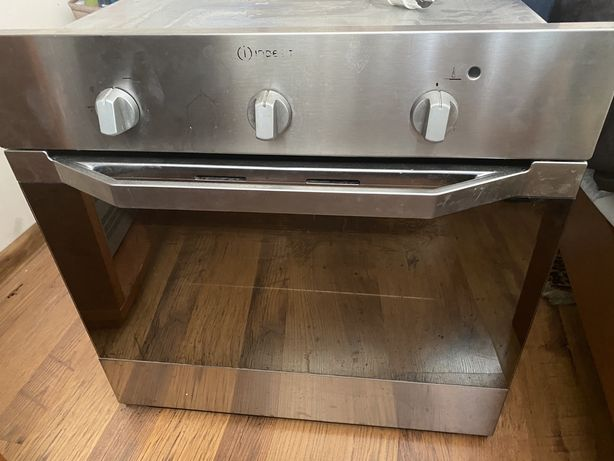 Встраеваемая духовка, плита