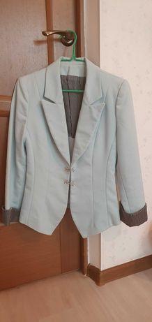 Пиджак светло-голубой 40-42р