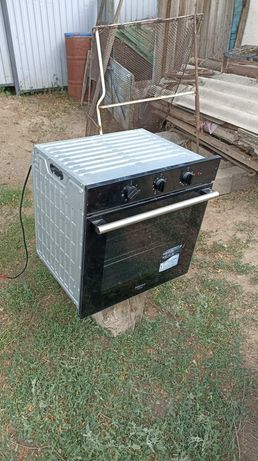 Продается духовой шкаф (печь) новый Hotpoint , обращаться только на ва
