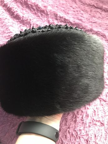 Норковая шапка-боярка