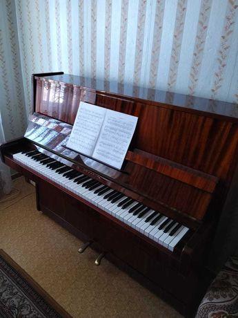 """Пианино / Фортепиано """"Беларусь"""""""
